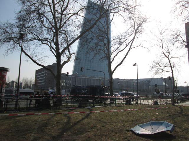 EZB mit Rettungsschirm
